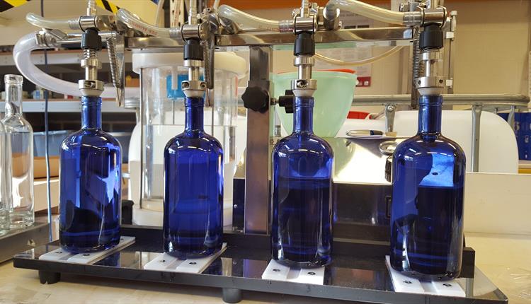 6 o'clock distillery