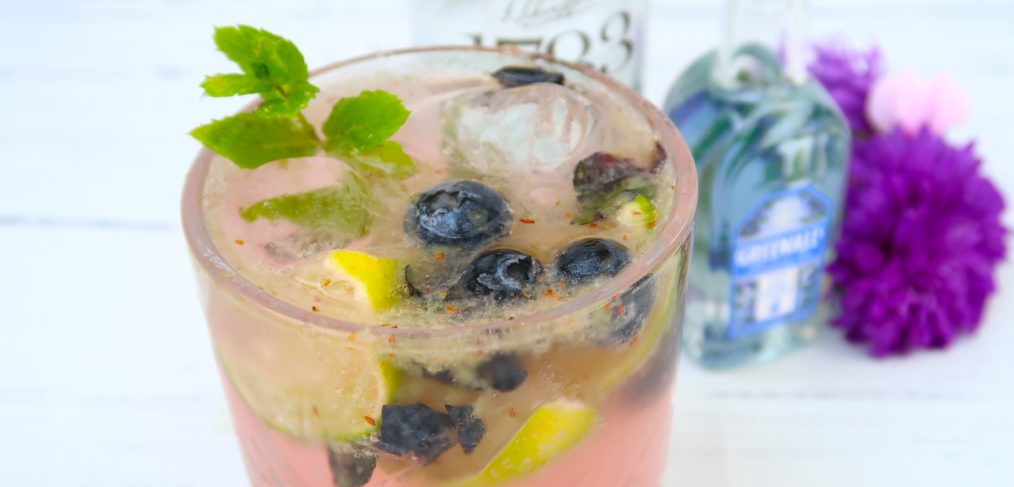 Blueberry Gin Smash