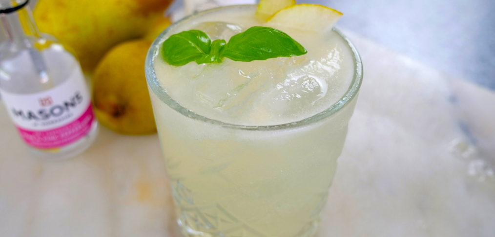 Gin Pear Smash cocktail