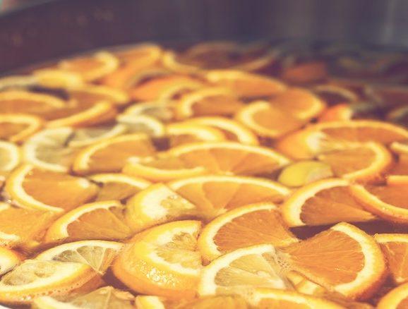 Lemon-slices-soaking