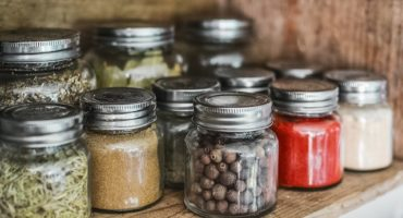 Spices-for-homemade-gin